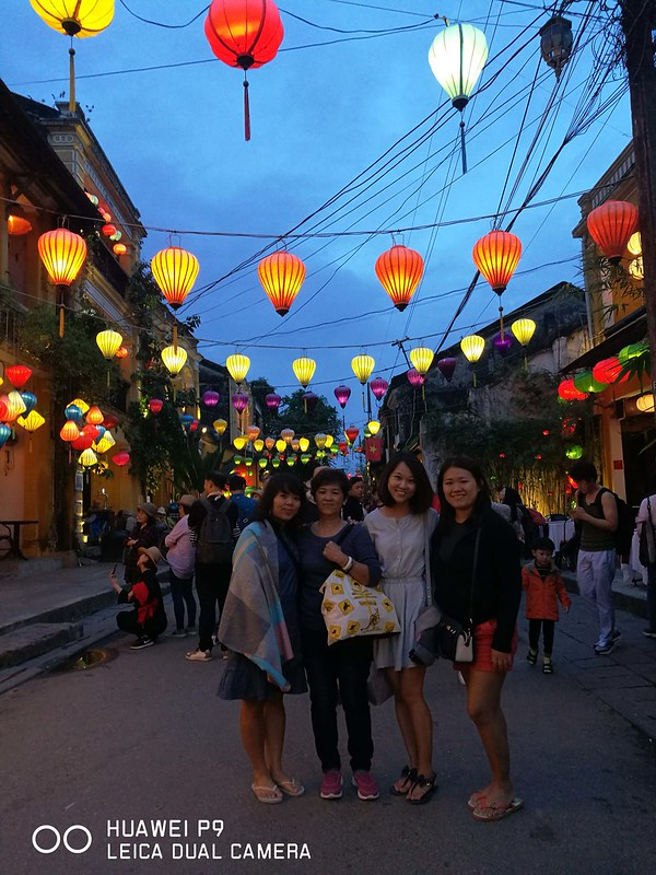 2018 Vietnam Hoi An Old Town Nightime 02