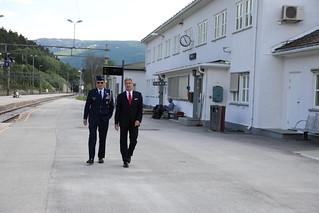 Ambassador Braithwaite Visits Dovre