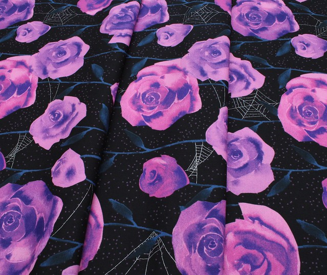 COTTON+STEEL Eclipse C5196-01 Roses Black Metallic