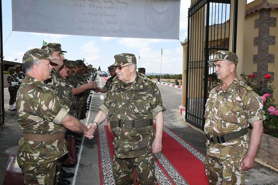 الجزائر : صلاحيات نائب وزير الدفاع الوطني - صفحة 22 41903548724_900b4ef838_b