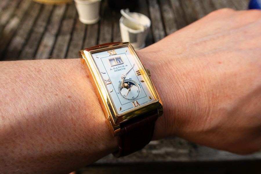 La haute horlogerie du jour - tome IV - Page 6 41977618544_ba7e7d482d_b