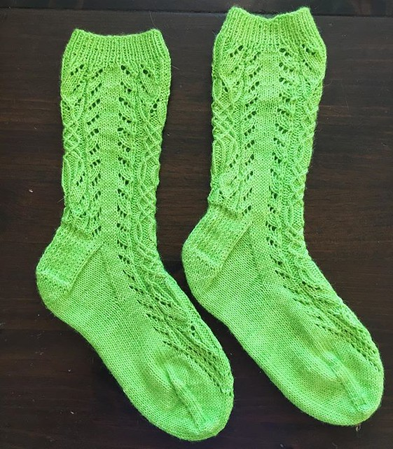 💚💚 #knitting #sockknitting