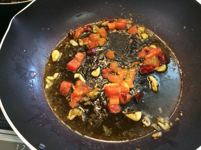 Tomato miso Ramen with Basil