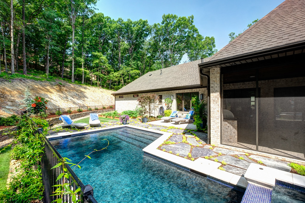 Plan, design, and build your custom home in the Little Rock area with Dillon Homes. We handle lot assessment, architectural planning, interior design, construction scheduling, energy efficient construction, home automation, & more.
