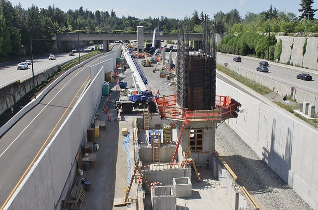 Mercer Island station east entry, May 2018