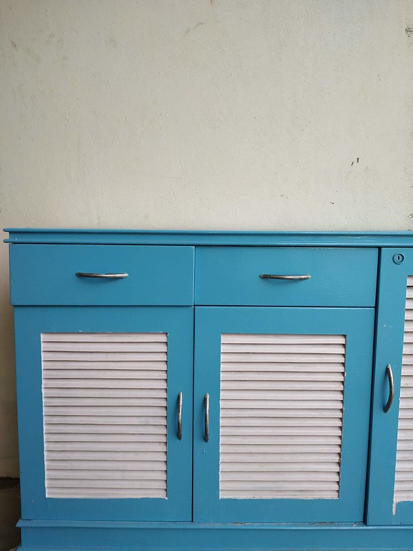painting an old cabinet