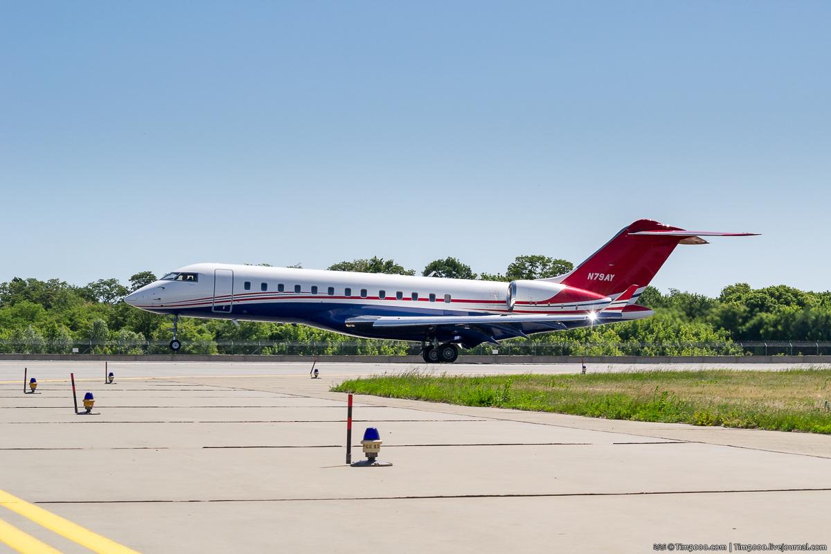 Bombardier BD-700-1A10 Global Express N79AY