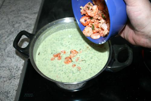 40 - Garnelen wieder in Topf geben / Put shrimps in pot again