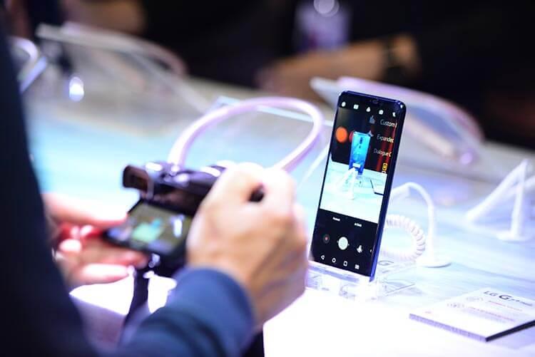 LG G7+ ThinQ AI Capabilities