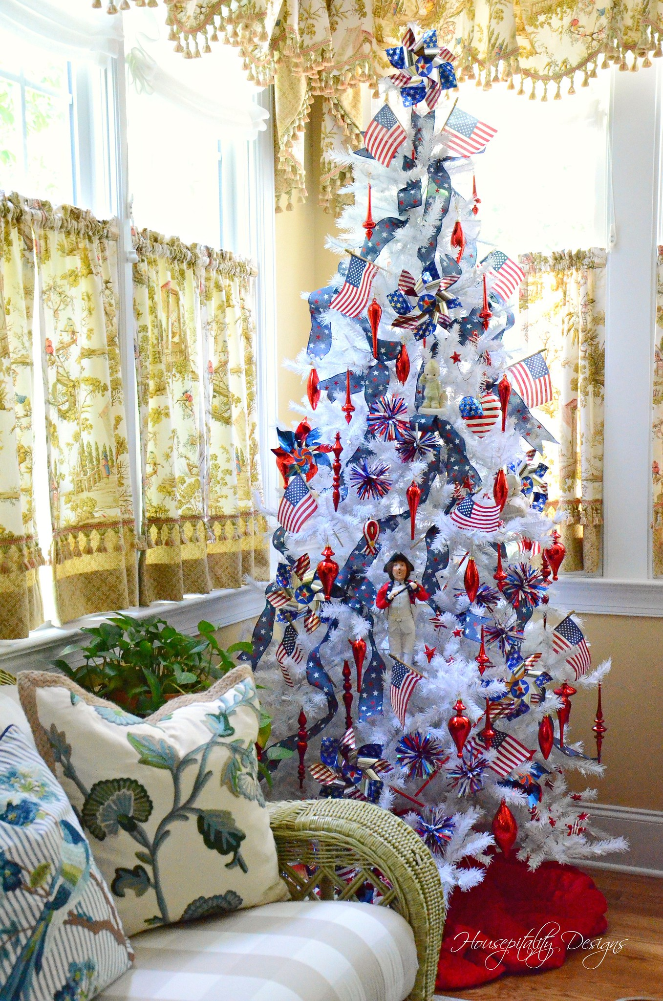 Patriotic Tree-Housepitality Designs-5