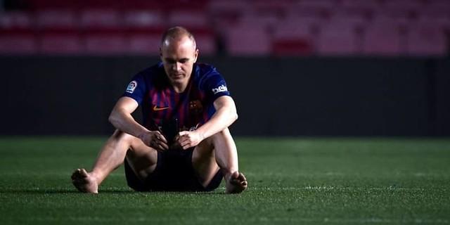 Andres Iniesta Ungkap Kepiluan Di Malam Tinggalkan Barcelona