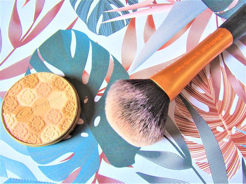 couleur-caramel-make-up-biologique-poudre-mosaique-thecityandbeauty.wordpress.com-blog-beaute-femme-IMG_0619 (3)