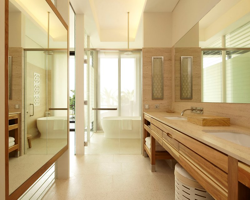 Hyatt-Regency-Danang-Resort-and-Spa-Room-z-bathroom