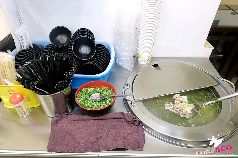海南雞飯三重便當簡餐IMG_6558_Fotor.jpg