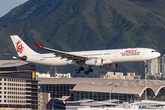 DRAGONAIR A330-300 B-LAA 001