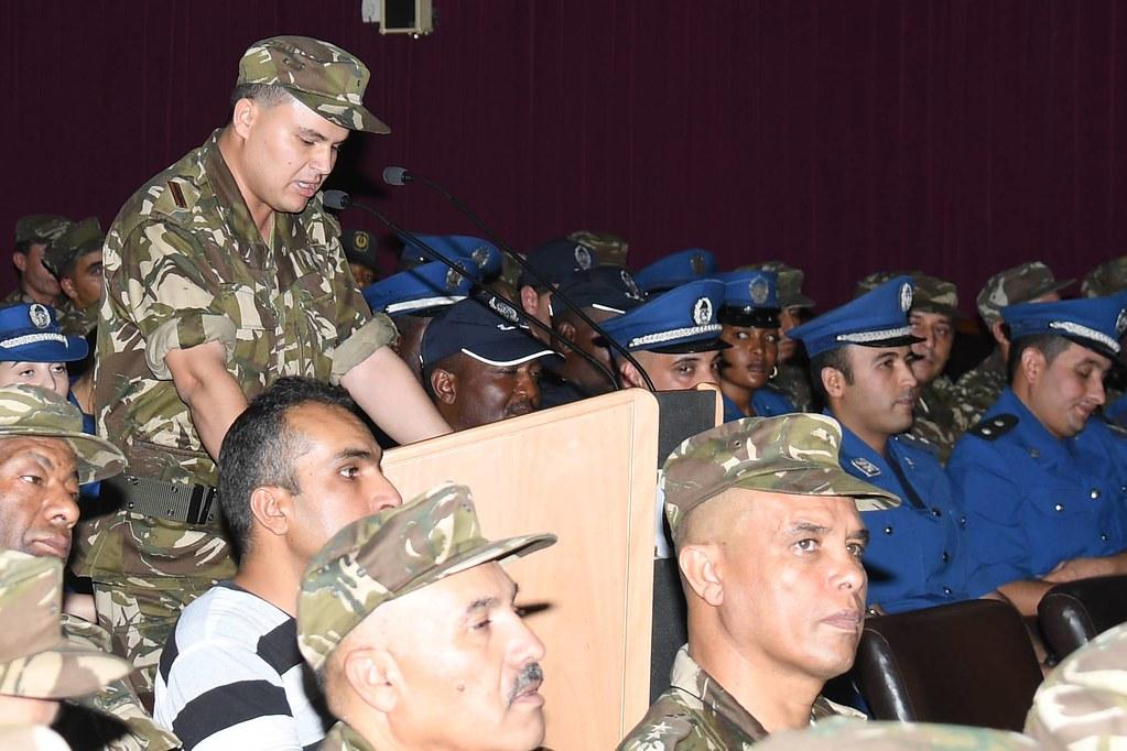 الجزائر : صلاحيات نائب وزير الدفاع الوطني - صفحة 21 27517439687_491317076b_b
