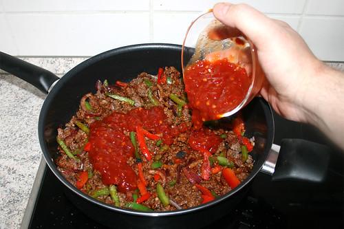 25 - Mit Salsa ablöschen / Deglaze with salsa