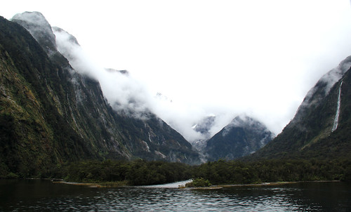 New Zealand - Milford Sound - Mountains and Mist - 2016.