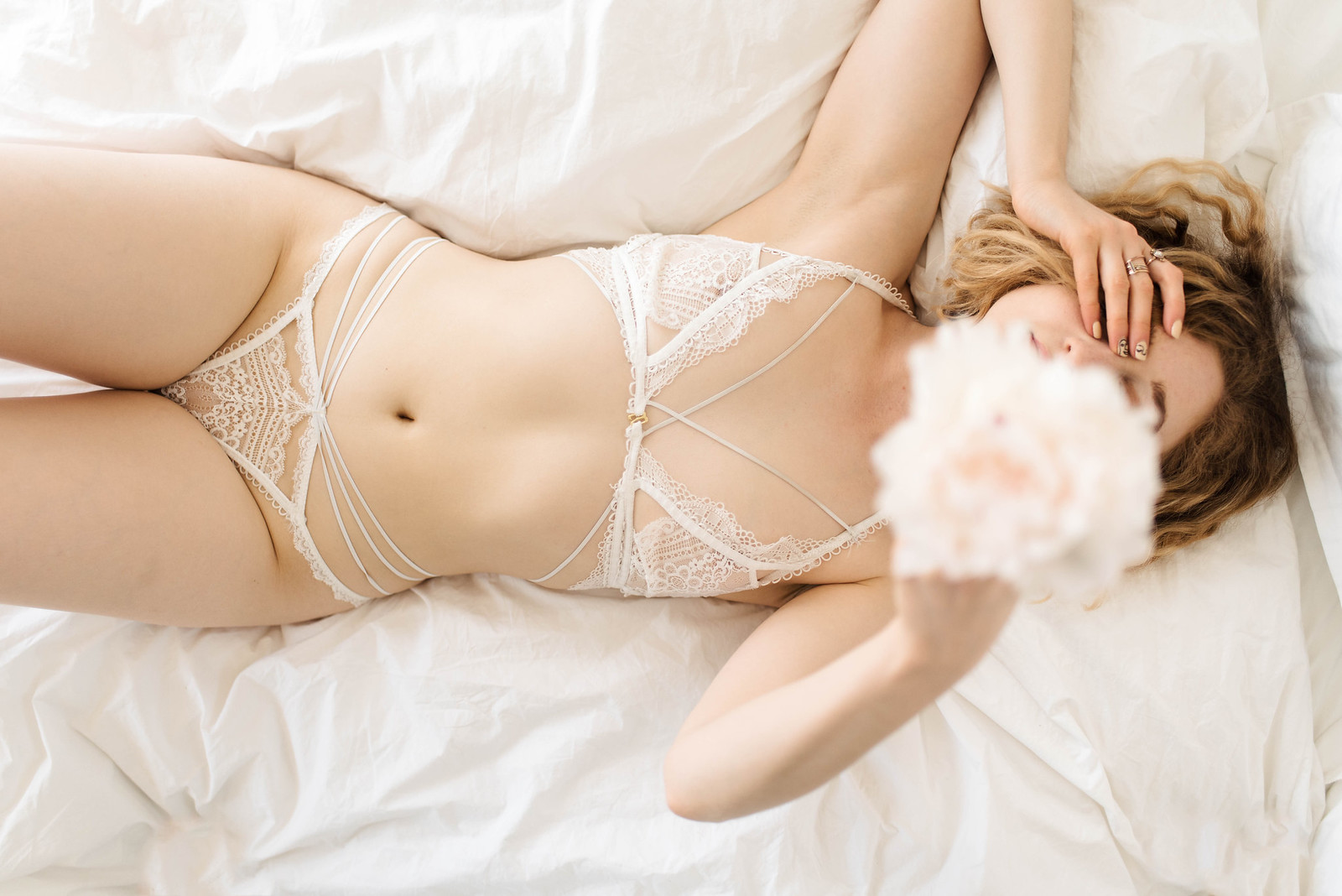 For Love and Lemons White Lace Lingerie Boudoir on juliettelaura.blogspot.com