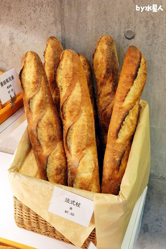 40661788660 aaa967ff87 b - 熱血採訪|本丸麵包,每日手感烘焙新鮮出爐,大推爆滿蔥仔胖、明太子法國麵包