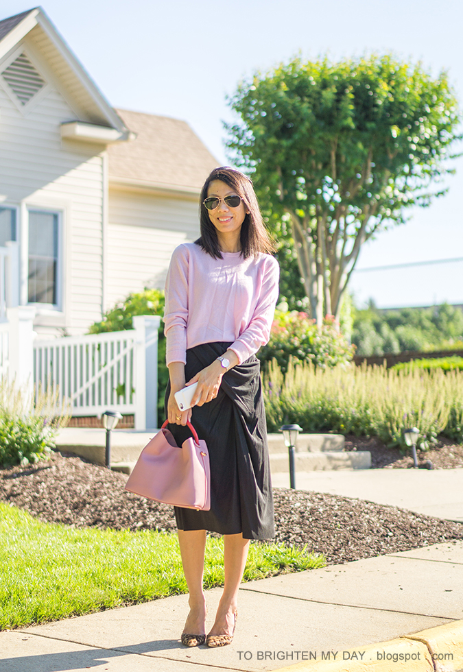 pink cashmere sweater, dark gray front knot midi skirt, pink bucket tote, two tone watch, leopard pumps