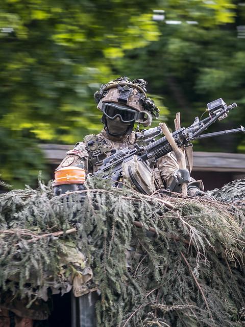 """Mācībās """"Saber Strike 2018"""" karavīri trenējas Skrundas novadā"""