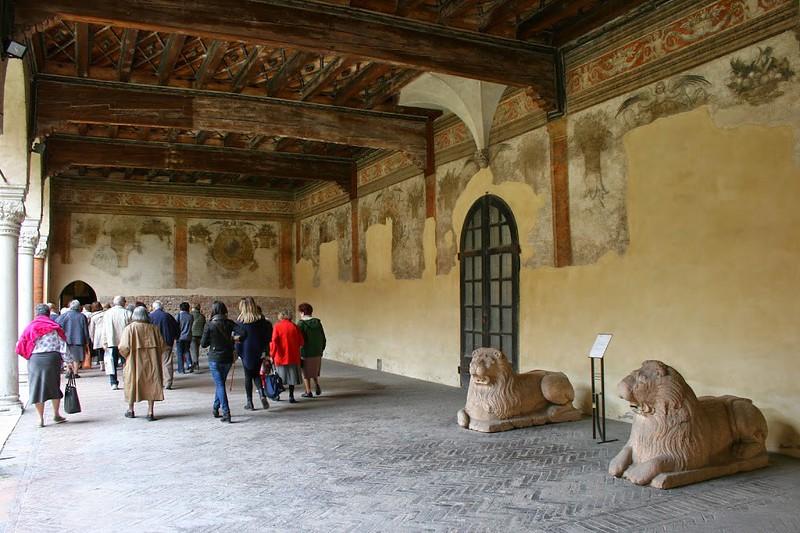 IMG_0356-ferrara-casa-romei1445-cortile-d'onore-portico