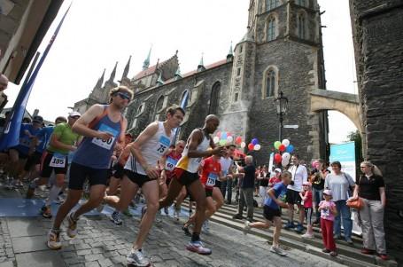 Běžci se příští týden už posedmé potkají u Kolína na tamním festivalu