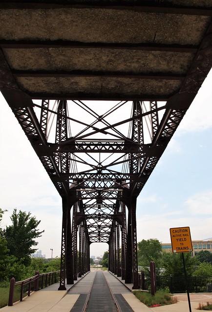 Cherry Avenue Bridge