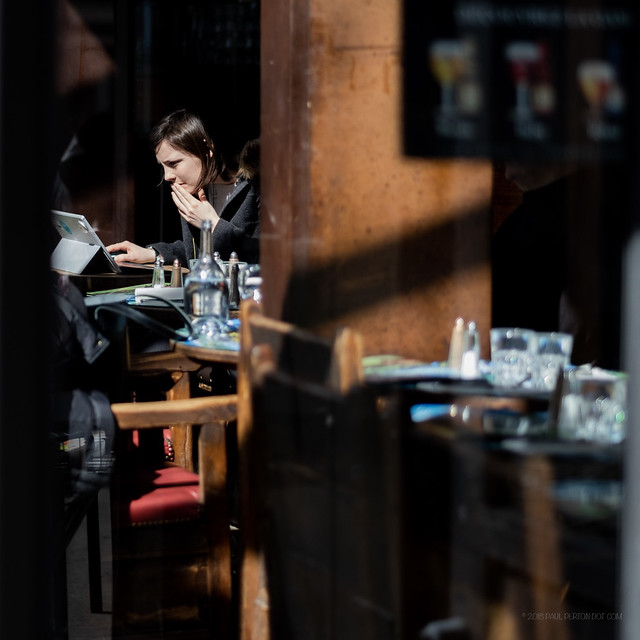 Lunch time, Porte St Denis - Paris