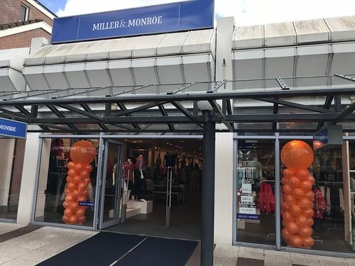 Ballonpilaar Breed Rond Koningsdag Miller & Monroe Hellevoetsluis