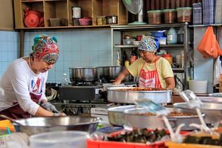 Kitchen -Nyonya kwek makers