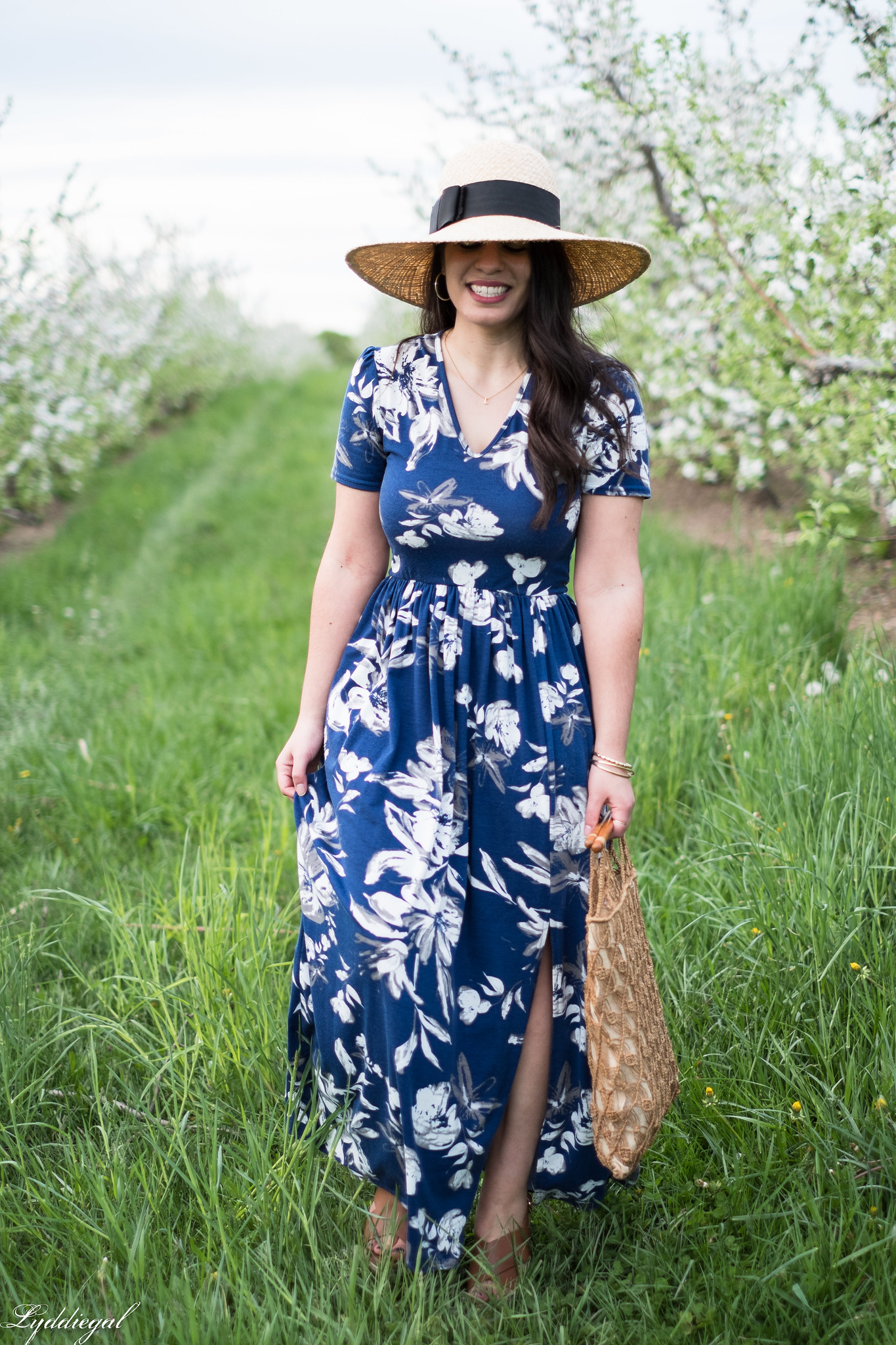 Blue and white floral maxi dress, straw sun hat, macrame bag, apple orchards-30.jpg
