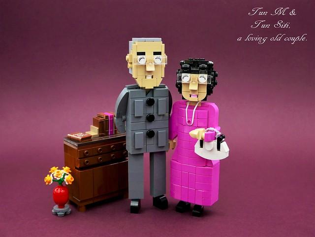 Tun Dr Mahathir & Tun Dr Siti Hasmah.