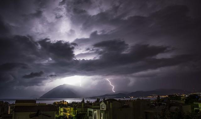 Ρίο_καταιγίδες σε νότια Αιτωλοακαρνανία!, Nikon D5200, AF-S DX Nikkor 18-140mm f/3.5-5.6G ED VR