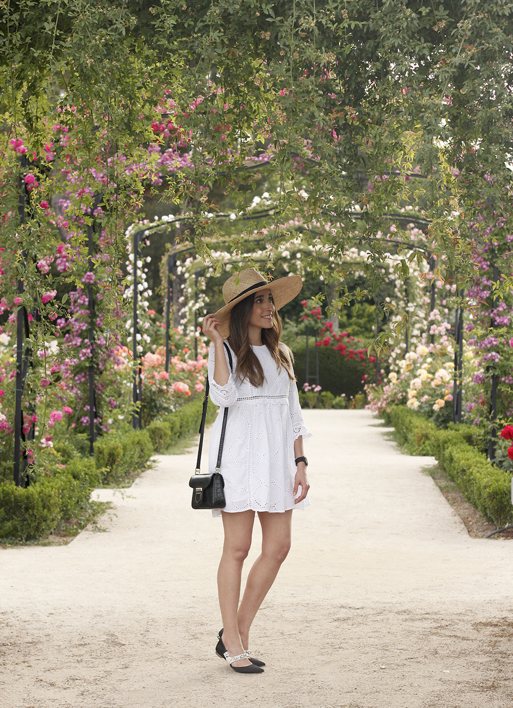 white summer dress givenchy bag street style outfit 2018 el retiro01