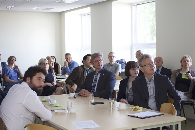 RTU zinātnieki, pētniecības platformu koordinatori un uzņēmumu pārstāvji pulcējas uz Pētniecības platformu brokastīm