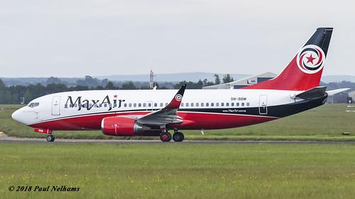 einn shannonairport snn airliner airplane 5nbbm boeing 737 737300 7373h4 maxair ngl ngl612