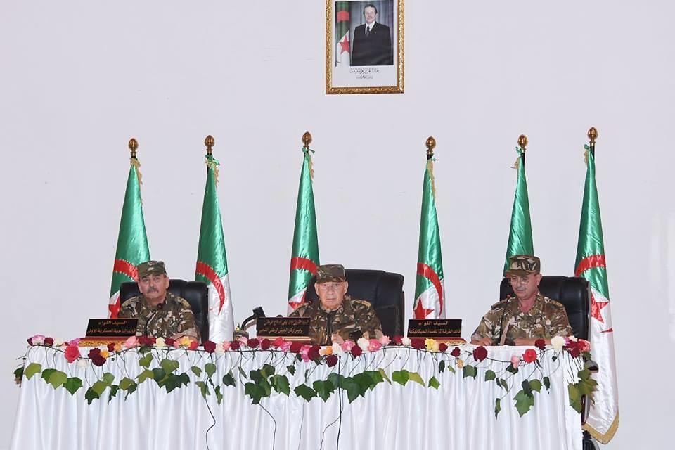 الجزائر : صلاحيات نائب وزير الدفاع الوطني - صفحة 22 28748387848_1f545848db_b