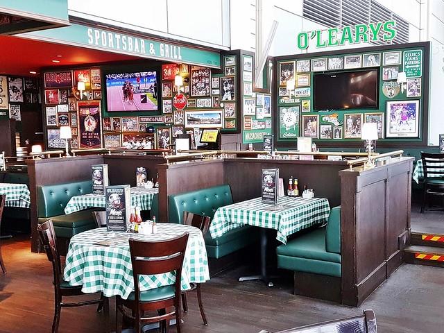 O'Learys Sports Bar Interior