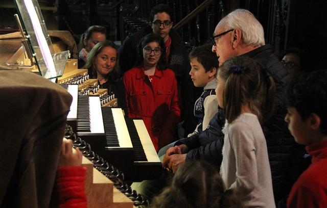 VISITA AL ÓRGANO DE LA CATEDRAL CON SAMUEL RUBIO - AMPA DEL CONSERVATORIO DE LEÓN 5.6.18