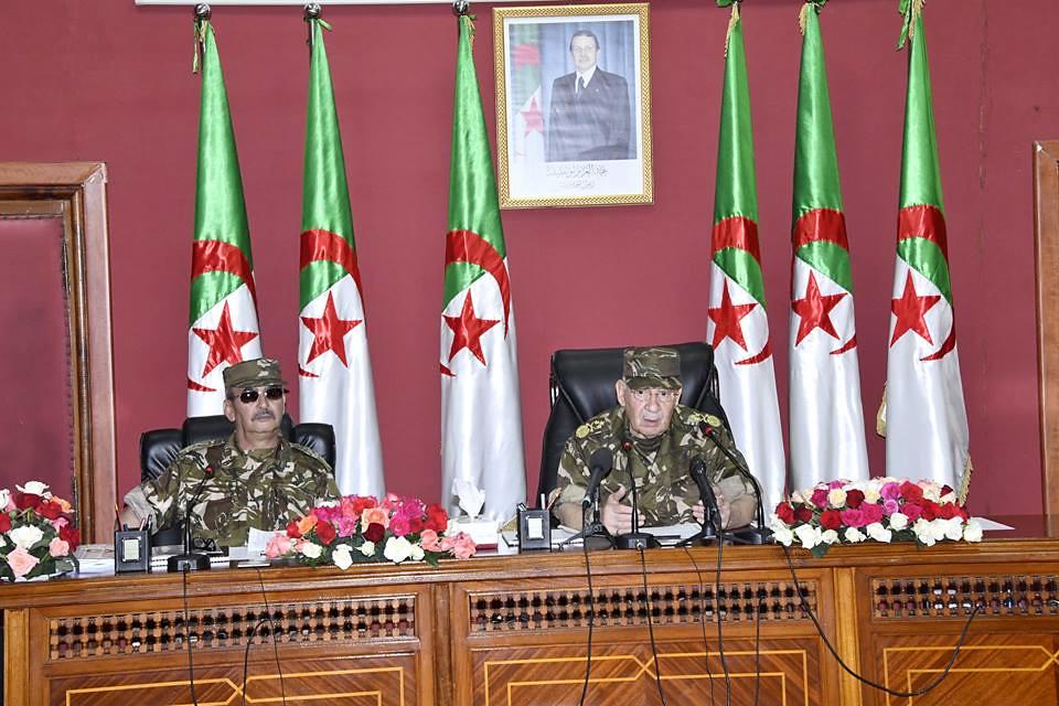 الجزائر : صلاحيات نائب وزير الدفاع الوطني - صفحة 23 42643631641_07e2f15f51_b