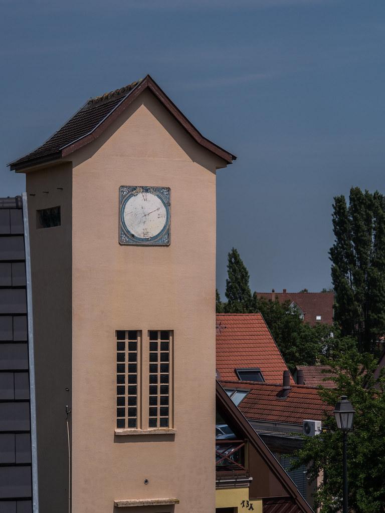 L'horloge magique de Mittelwihr... 28641182288_ac48d8690e_b