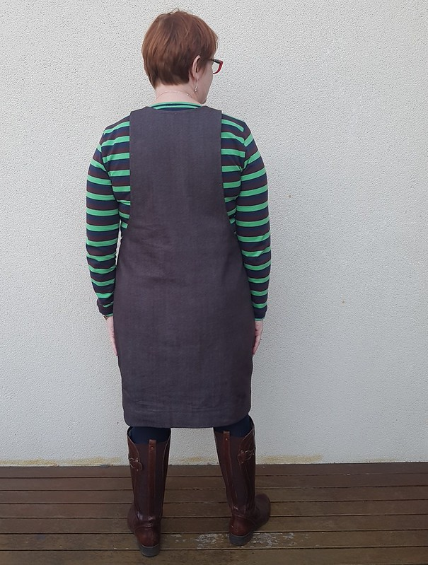 Cashmerette Concord tee and Helens Closet York pinafore