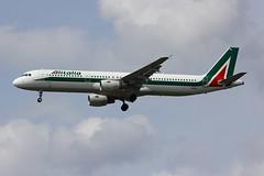 A321 I-BIXL London Heathrow 15.06.18