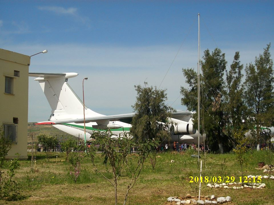 أكبر و أضخم موسوعة صور لطائرات النقل و الشحن الجزائرية AAF- iL 76/ iL 78 - صفحة 37 42400032922_633535a929_b