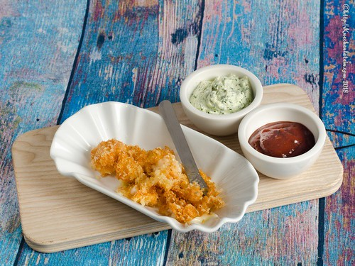 Im Bierteig frittierte Cheese Curds mit Kohlrabidip (2)