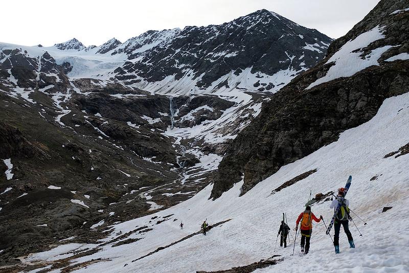 Scialpinismo al San Matteo dal Gavia, spallaggio fino alla cascata