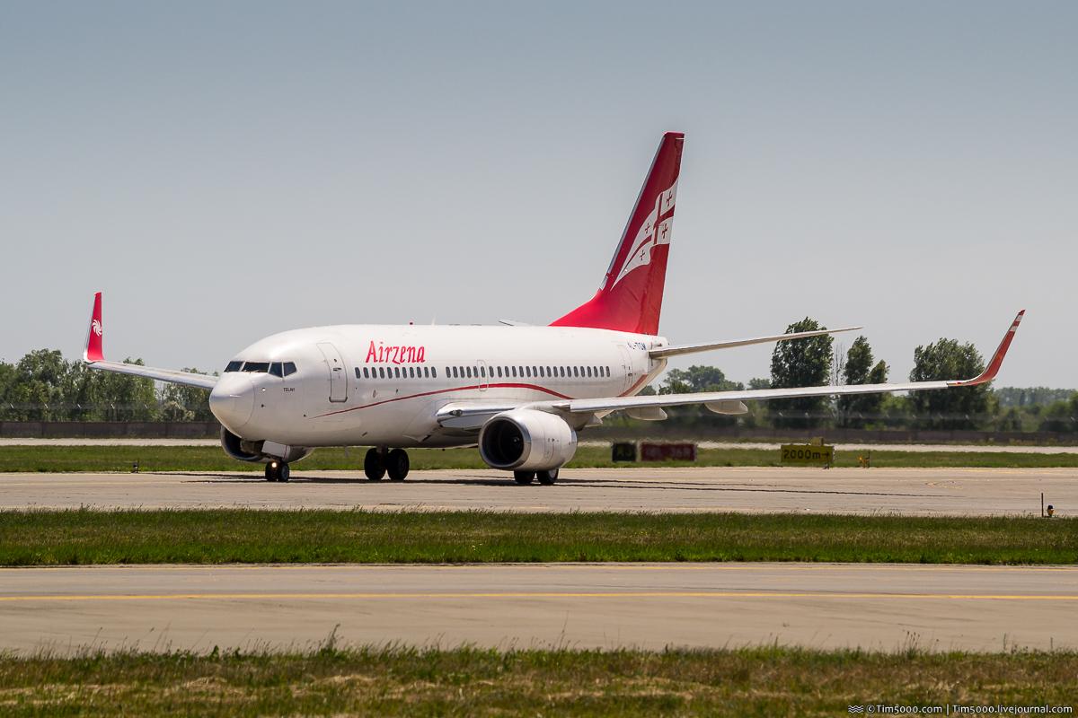 Boeing 737-700 4L-TGM Airzena Georgian Airways
