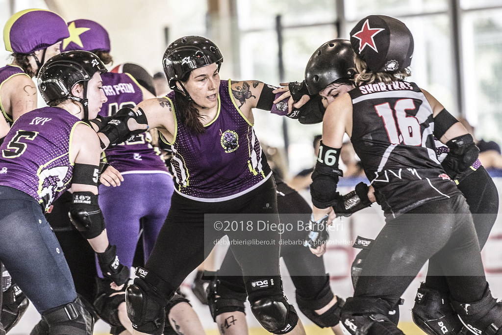 Block in Turin Roller Derby - Day 2